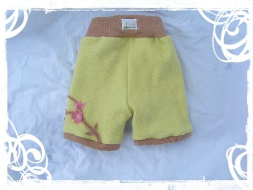 Wool Shorts - roomy rear